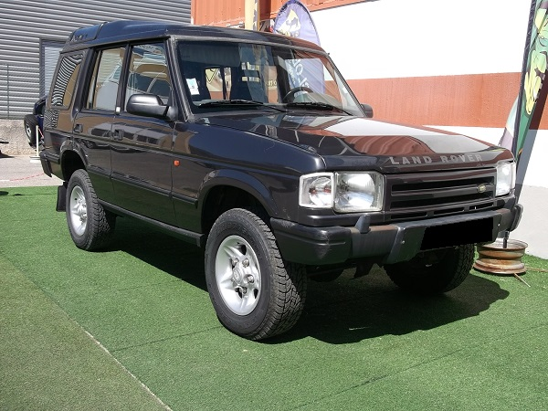 4x4 land rover discovery 300 tdi land rover vo610 garage. Black Bedroom Furniture Sets. Home Design Ideas