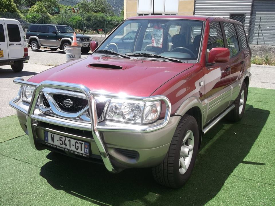 4x4 nissan terrano 2 2 7litres nissan vo677 garage all for Garage nissan marseille
