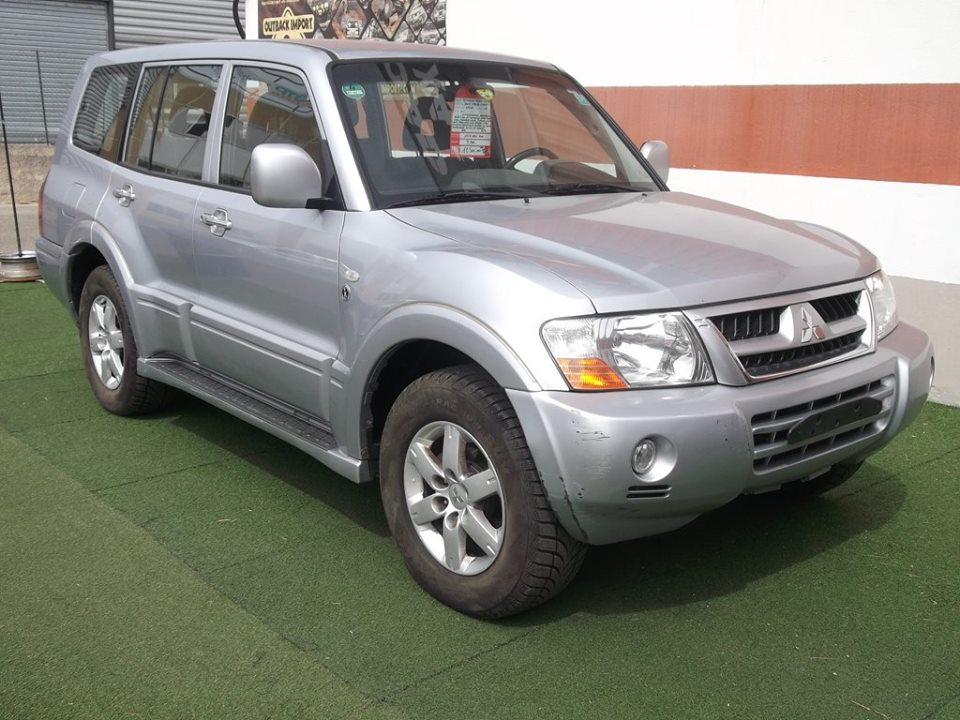 4x4 mistubishi pajero 3 2 did long mitsubishi vo 662 garage all road village specialiste 4x4 a. Black Bedroom Furniture Sets. Home Design Ideas