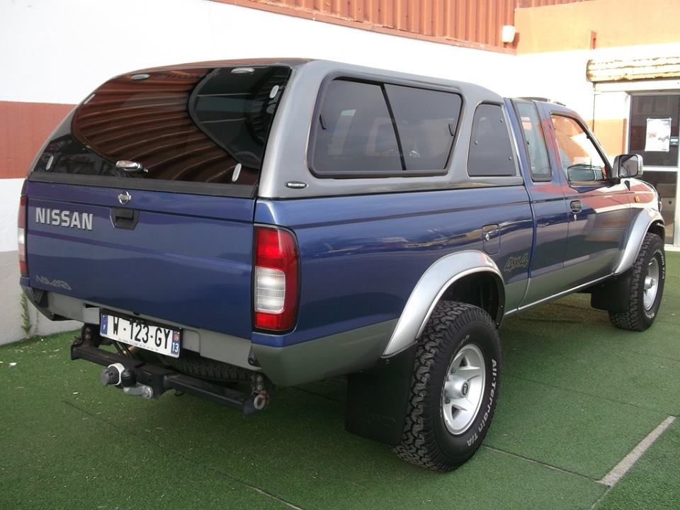 nissan navara pickup 2 5 di king cab avec hard top nissan. Black Bedroom Furniture Sets. Home Design Ideas