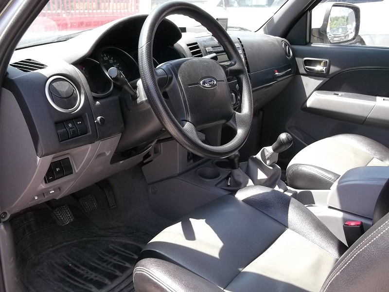 4x4 ford ranger double cabine 2 5 tdci 4x4 xlt limited for Interieur ford ranger